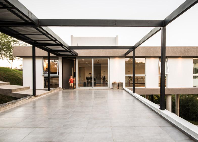 Casa-367-by-Gonzalo-Viramonte_dezeen_784_17