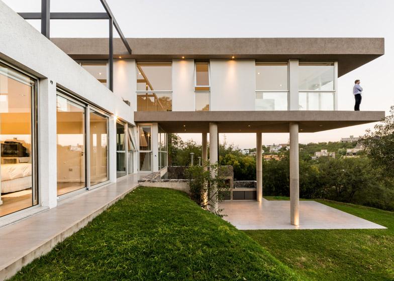 Casa-367-by-Gonzalo-Viramonte_dezeen_784_19