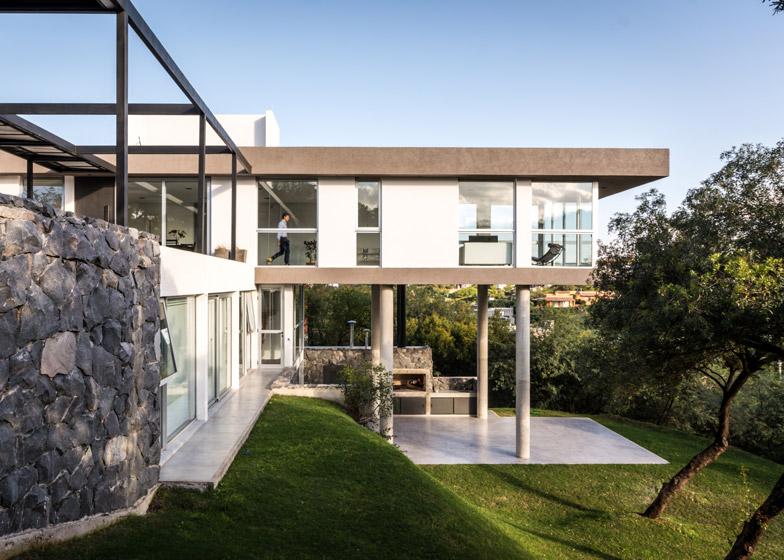 Casa-367-by-Gonzalo-Viramonte_dezeen_784_4