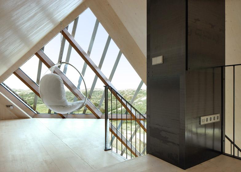Dune-House-by-Marc-Koehler-Architects_dezeen_784_7