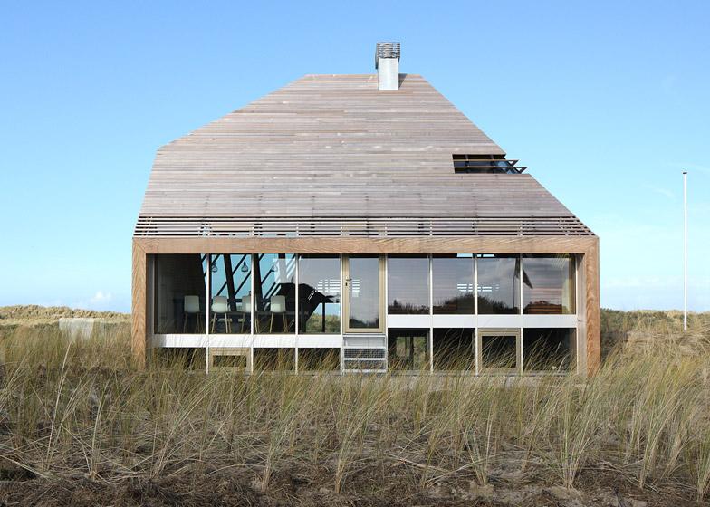 Dune-House-by-Marc-Koehler-Architects_dezeen_784_8