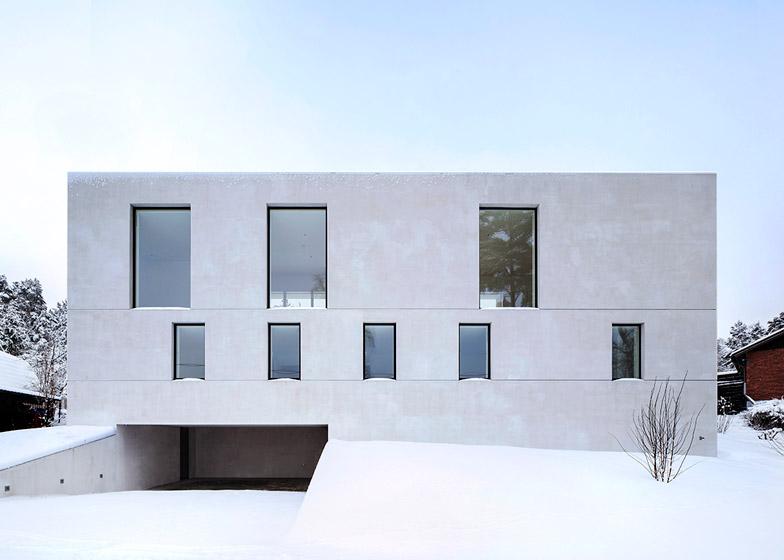 Villa-Mortnas-by-Fourfoursixsix-Architects_dezeen_784_0