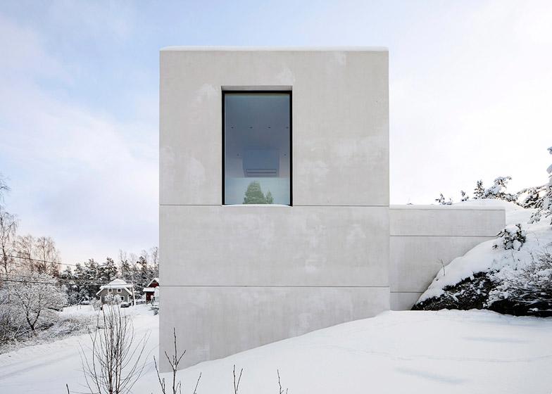 Villa-Mortnas-by-Fourfoursixsix-Architects_dezeen_784_1