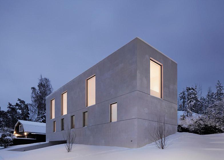 Villa-Mortnas-by-Fourfoursixsix-Architects_dezeen_784_6