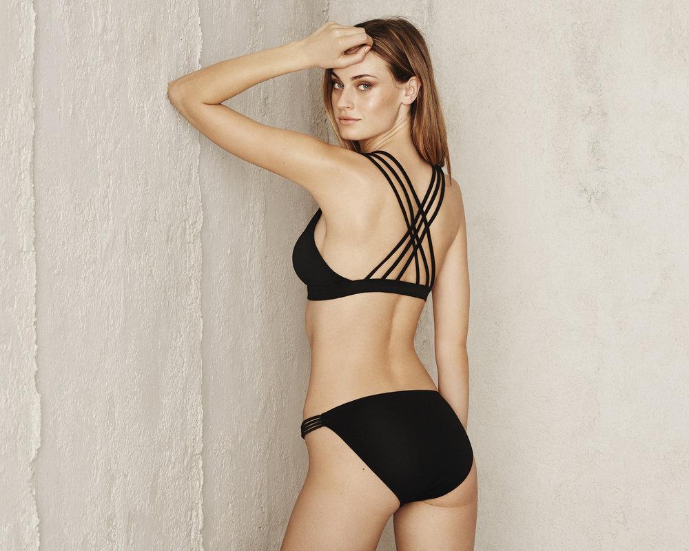 S16_Swimwear_05_293 V2