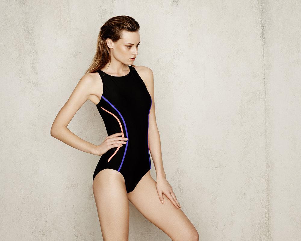 S16_Swimwear_22_052_V2